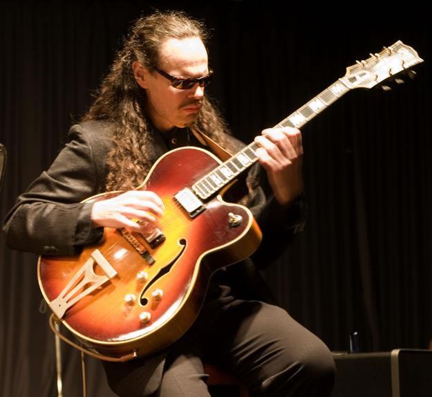 André Roy Guitar - Jazz Guitarist Florida and Toronto